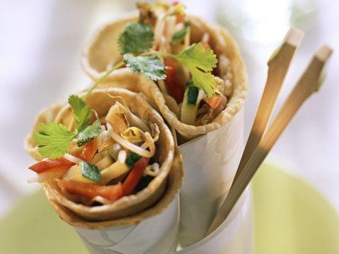 Deze lekkere volkoren wraps zitten vol groentjes, eet je lekker uit de hand als gezonde snack of voor in de brooddoos