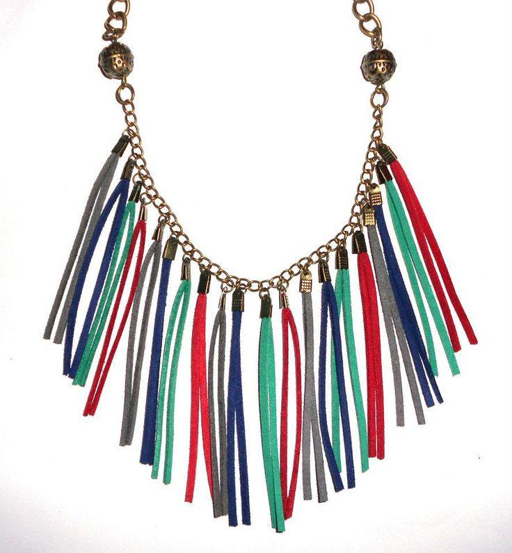Collares Flecos de Gamuza, $60 en https://ofeliafeliz.com.ar