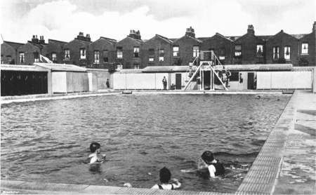Open Air Swimming Pool Millwall Park Closed After A Direct Bomb Hit Isle Of Dogs