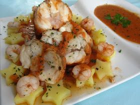Rape alangostado relleno en salsa de gambas,receta dieta,langostinos,cocina tradicional.