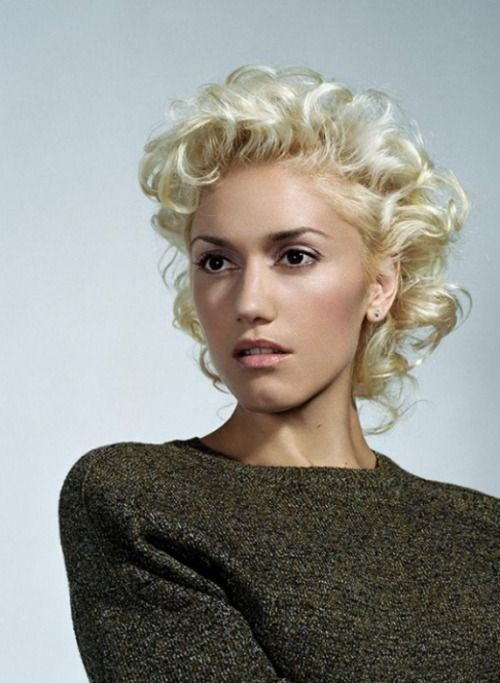 Gwen StefaniPlatinum Blonde, Curly Hairstyles, Girls Crushes, Gwenstefani, Gwen Stefani, Marilyn Monroe, Red Lips, Curly Haircuts, Hair Style
