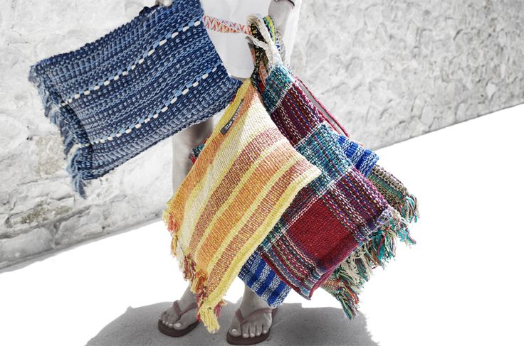 #SPLASH #handmade #knit #beachbag  #summer #boho #inspiration @ www.cleogkatzeli.com  http://www.gkatzeli.com/product-category/beachwear/bags/1-zipper-clutches/
