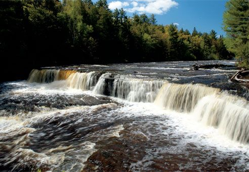 Tahquamenon falls state park paradise michigan i 39 ve for Cabins near tahquamenon falls