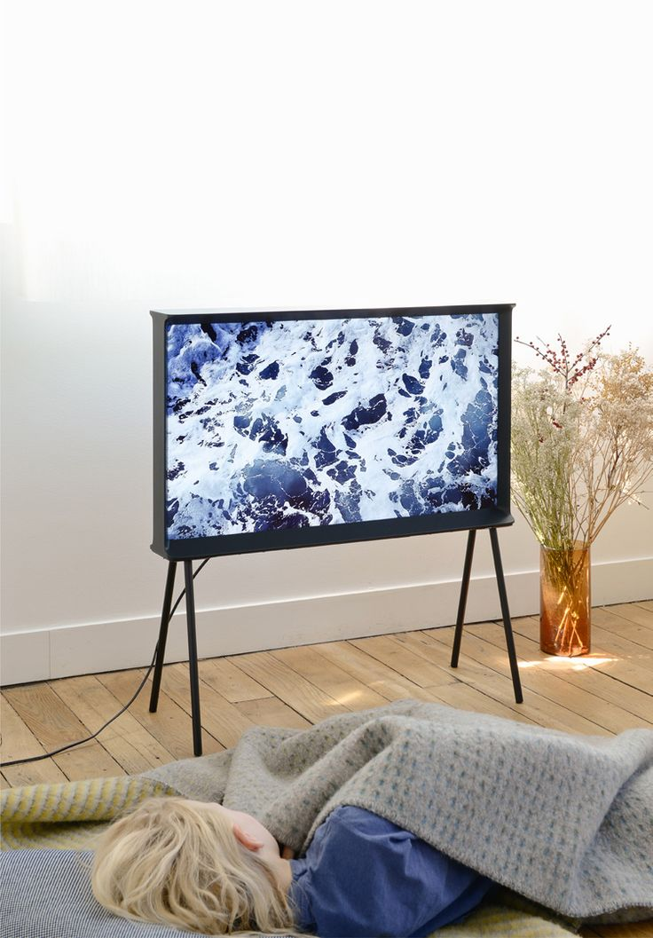 French designers Ronan and Erwan Bouroullec unveiled Serif —their first electronics product — a flat televisionconceived for Korean electronics giant Samsung.