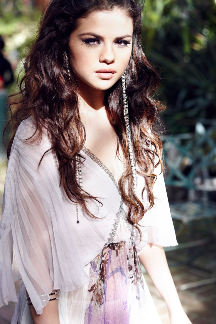 9 Hot Selena Gomez Photoshoot Photos