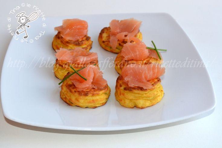 Nidi di patate con salmone antipasto per la Vigilia