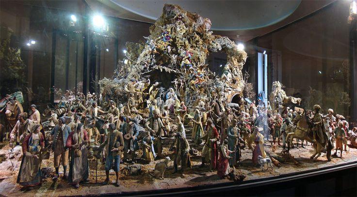 """Nativity scene of the Royal Palace of Caserta ... some dressed figurines were """"stitched"""" and embroidered by the Borbone  princesses Presepe della reggia di Caserta... gli abiti di alcuni pastori vestiti, sono stati cuciti e ricamati dalle principesse Borboniche"""