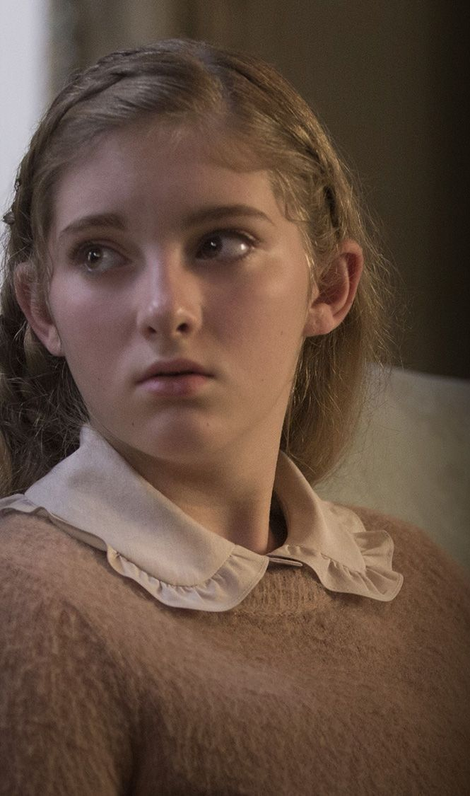 willow shields as primrose everdeen in the hunger games catching fire - Primrose Everdeen Halloween Costume