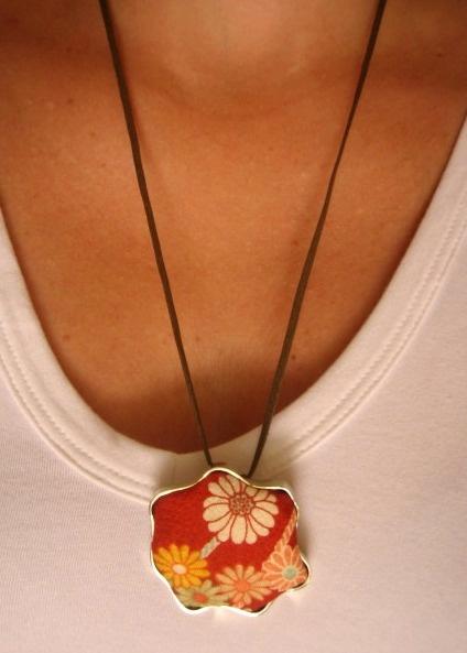 Japan Collection: Marguerite Pendant