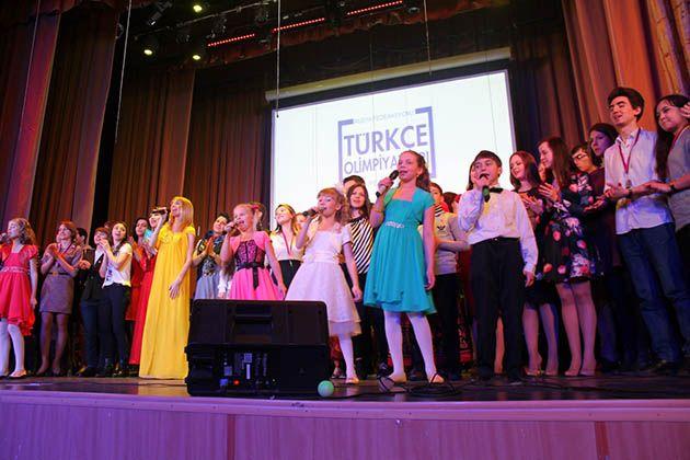 Rusya'nın kültür başkentinde Türkçe Olimpiyat coşkusu - FOTO http://haberrus.com/photo-gallery/2015/04/27/rusyanin-kultur-baskentinde-turkce-olimpiyat-coskusu-foto.html