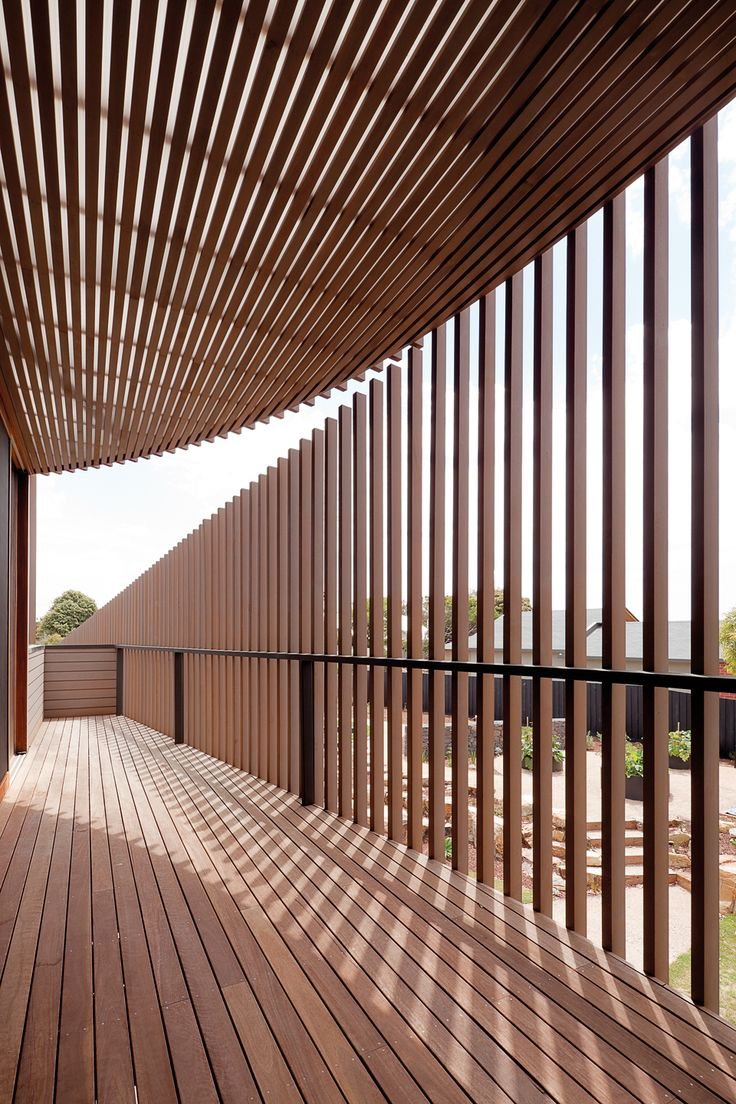 107 best screens brise soleil images on pinterest architecture facades and architecture details for Brise soleil design