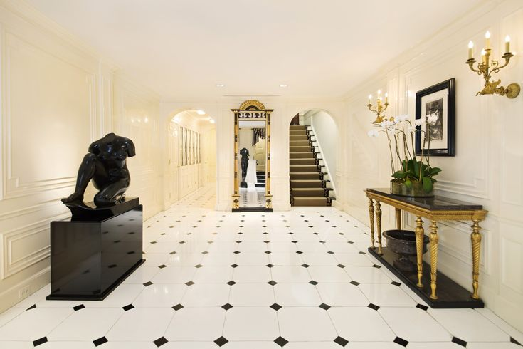 Discover how many beautiful luxury entryways exist around the world. Check more at insplosion.com
