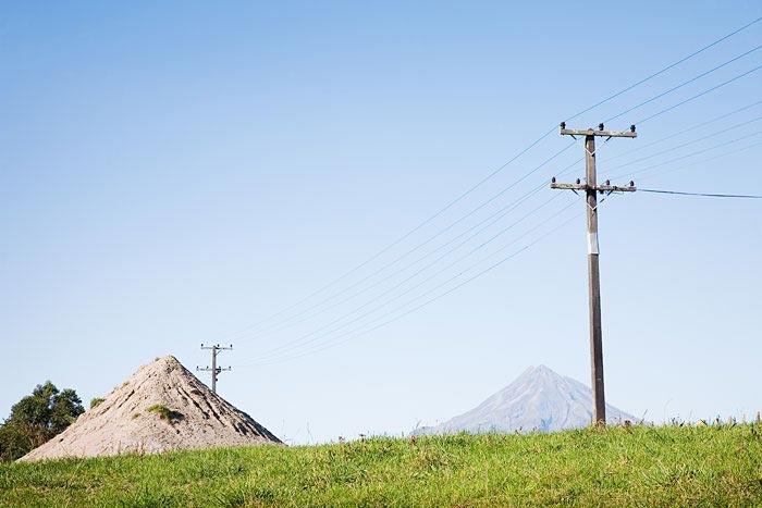 Phillip Simpson - portrait and lansdcape, some nice reportage landscape approach