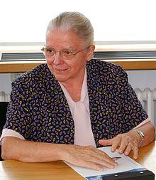 #België, Kortenaken: Jeanne Devos (geboren in 1935) is een Belgische zuster die zich inzet voor hulp aan de armen in de sloppenwijken van Bombay, India. In 2005 werd ze genomineerd voor de Nobelprijs voor de Vrede. / Jeanne Devos is a Belgian missionary sister who is committed to helping the poor in the slums of Bombay, India. In 2005 she was nominated for the Nobel Peace Prize. In 2009 she received the Grand Cross of the Order of the Crown.