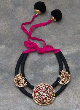 Black N Fuchsia Pink Polki N Pearls Stud Necklace
