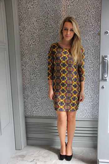 Lovely little shift dress perfect for casual or dress it up! And in our blue ribbon sale so 20% off!