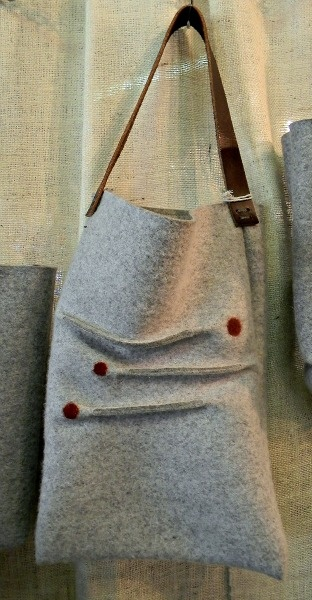 Hilbrant – Felt Bags By Julia Hilbrant at the New York State Sheep and Wool Festival in Rhinebeck, NY. #totebags #feltbags