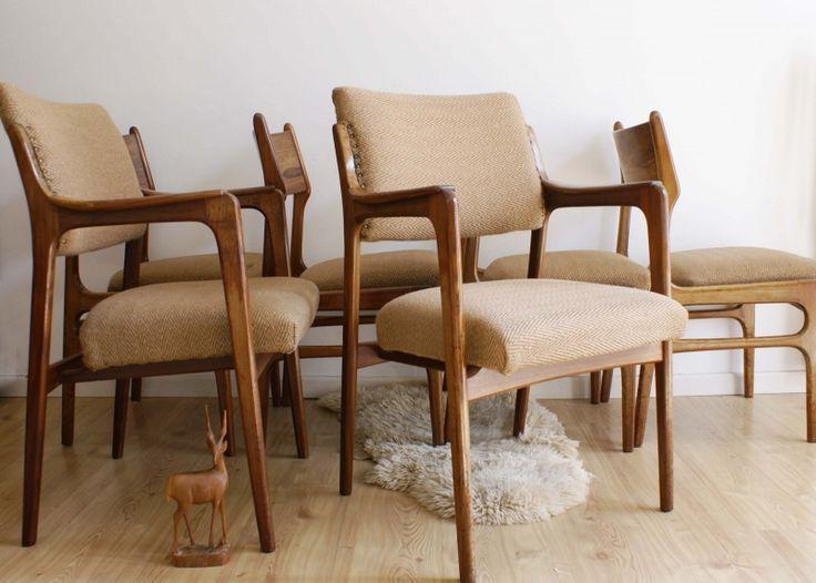 Set van 6 teak (?) houten vintage stoelen. Retro stoelen met Scandinavisch design