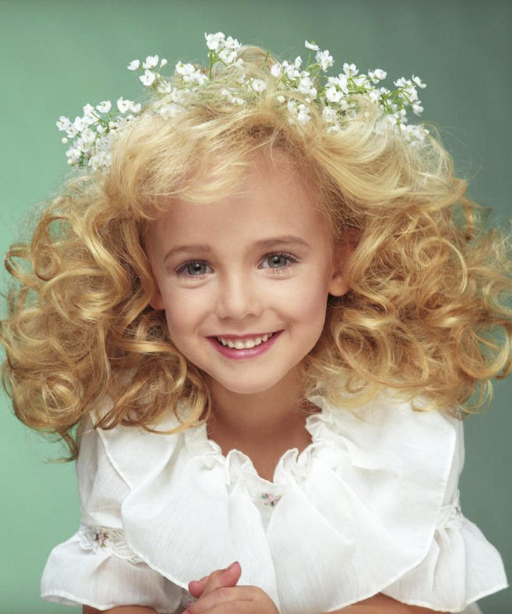 Katy Perry Jonbenet Ramsey Conspiracy Theory | This new conspiracy theory that JonBenét Ramsey has been alive all along and living her life as Katy Perry is truly terrible. #refinery29 http://www.refinery29.com/2016/02/104096/conspiracy-theory-katy-perry-jonbenet-ramsey