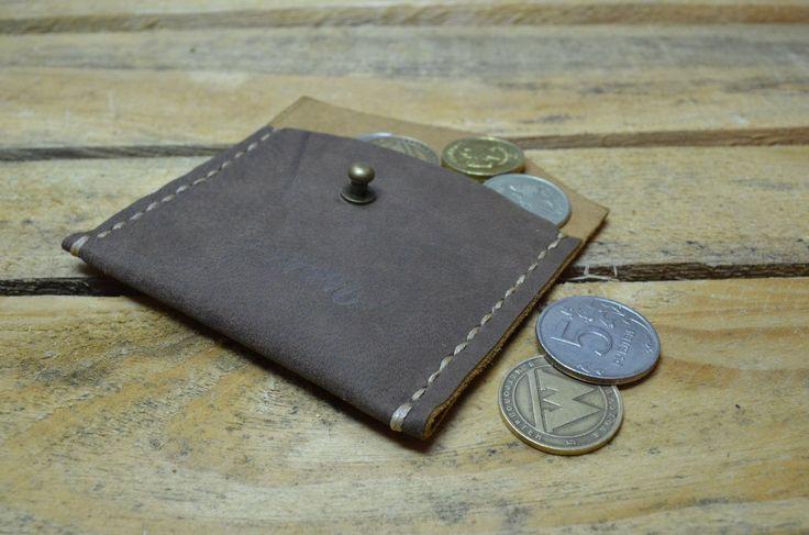 Кошелек для монет Perren. Натуральная кожа. Размер: 9.5х7 см. Цена: 500 руб. Свяжитесь с нами: vk.com/id1237202 Viber, WhatsApp +7 (915) 567-75-84 тел.: +7 (4722) 770-780 http://www.perren.ru/#!accessories/ce37