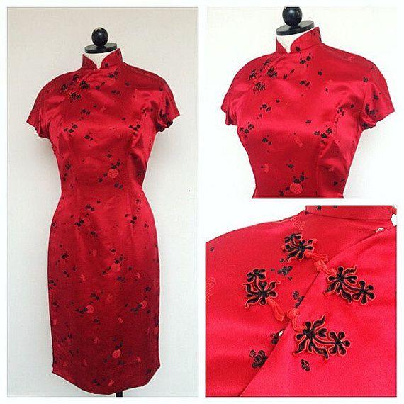 1960er Jahren Cheongsam Kleid. Größe Small. 60er Jahre hautenge schwarze asiatisch anmutende Wiggle Kleid. Asiatische Seidenkleid. 1960er Jahre Cocktailkleid. Sehr Mad Men!