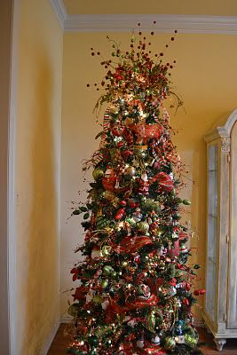Kristen's Creations: Decorating A Christmas Tree With Mesh Ribbon Tutorial... REALLY AWESOME TREE DECORATING TUTORIAL!