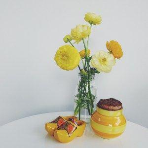 Vignette of yellow