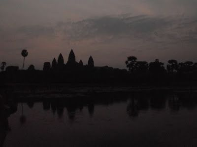 Shadows -  Sunset Stages Over Angkor Wat http://jouljet.blogspot.com/2013/02/sunrise-stages-over-angkor-wat.html #Cambodia #travel #temples