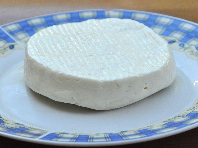 Cosa c'è di più buono e soddisfacente del formaggio fatto in casa Bimby? Ecco allora per te la ricetta del formaggio primo sale, gustoso e leggero.