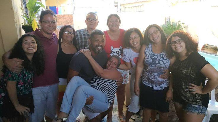 Família Ribeiro ���� (falta gente)  #ribeiro #niverdoJunior #meusamores #povoescandaloso #maseuamo #tios #tias #primos #avô #umamorsurreal #minhavida #familia #family #instagood #domingobomdemais #churrasco http://misstagram.com/ipost/1540114588853595991/?code=BVflg8GA-9X