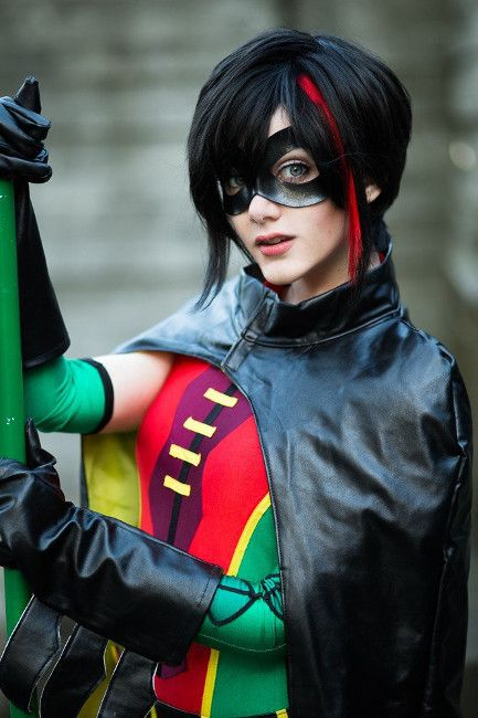 Cosplay of the Day: A Robin Cosplay that is Truly Heroic