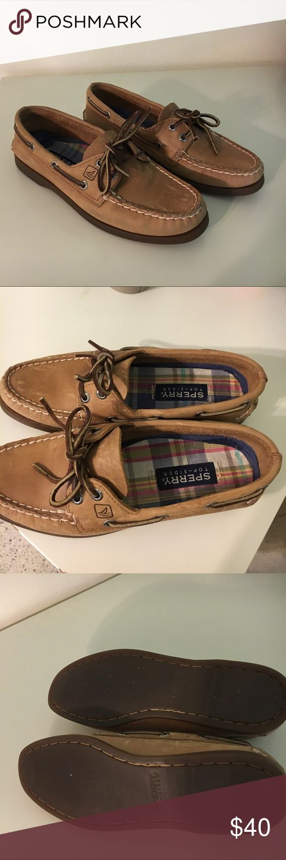 Sperry top sider shoes Sperry top sider boat shoes in very good condition, worn a handful of times only. Some defects at the top from use as pictured. Defects reflected in price. Sperry Top-Sider Shoes