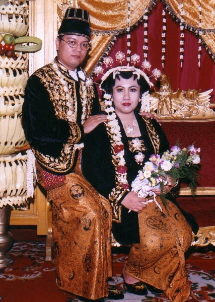 my wedding.. wearing Solo Putri