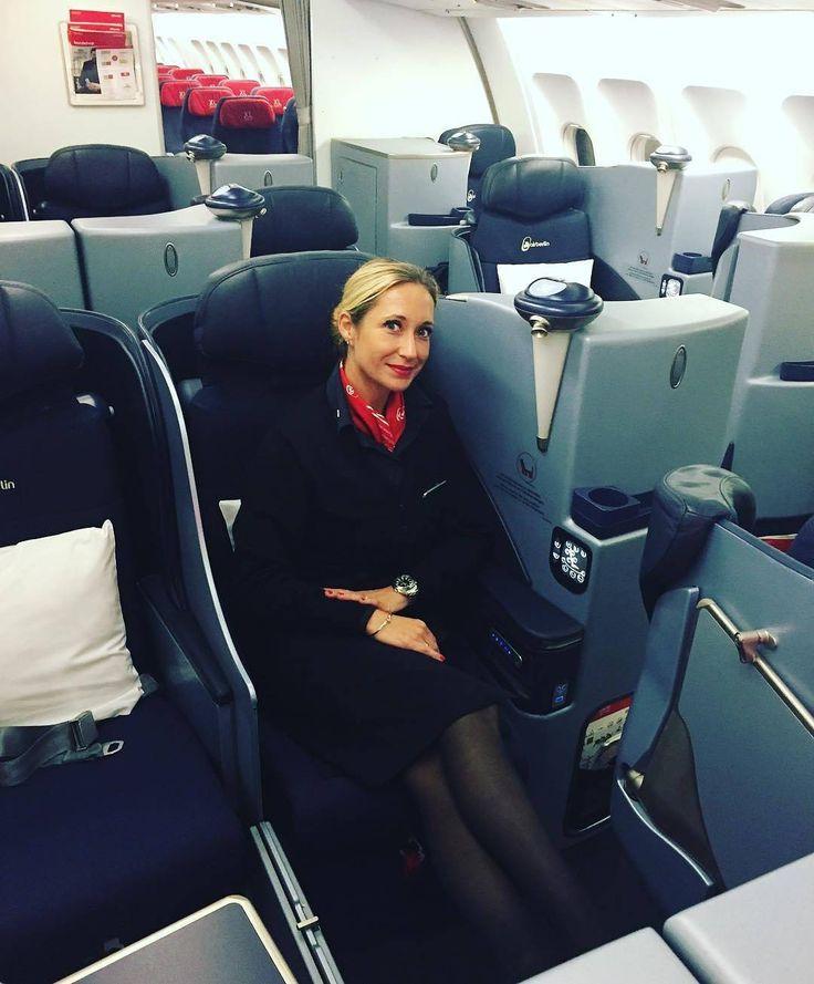 Bye bye New York  #businessclass #stewardess #flightattendant #instatravel #instacrewiser#instagood #flightattendantmom #instagram #momof2 #workandtravel #workaroundtheworld #crewlife #lovemyjob #cabinfun #newyork #jfk #workingmom #usa#layover #businessclassflight#airbus330 #weekendwork#flywithme #workabovetheclouds  back home .... big apple i hope to see u soon ... - #avgeek #instacrewiser #crewiser