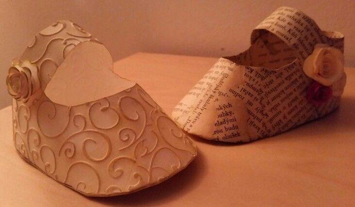 Botičky - papír,  embos, kniha, květiny.