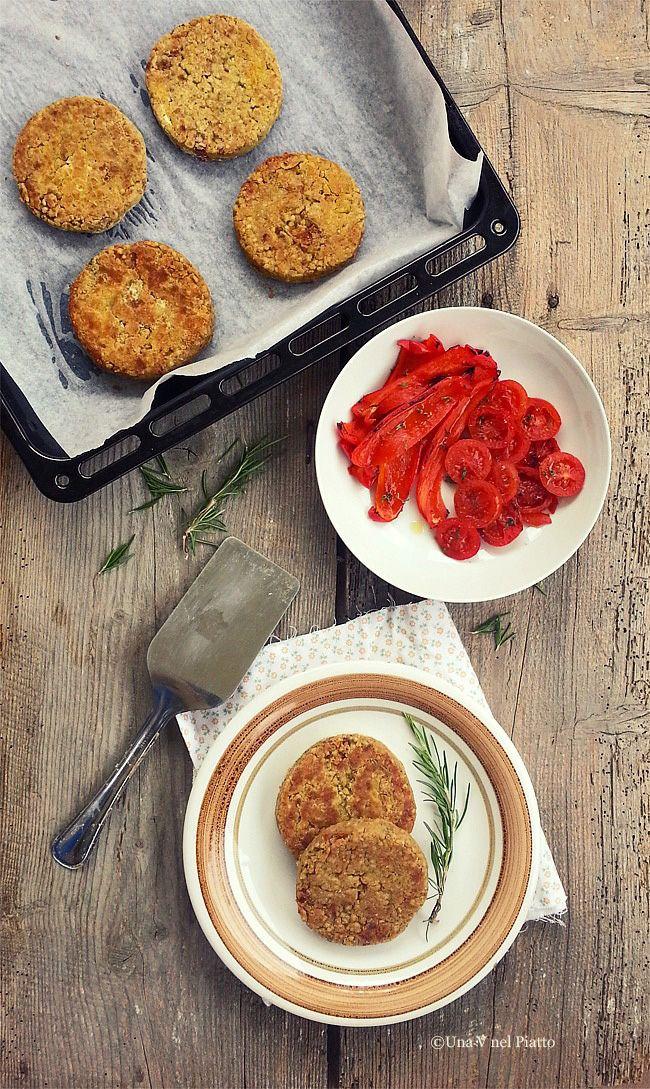 Burger di grano saraceno, lenticchie rosse e pomodori secchi - Una V nel piatto