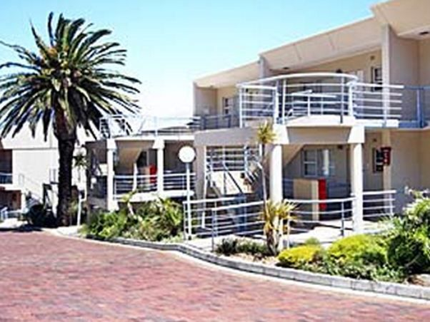 Oceans 13 - Oceans 13 is situated in the popular Oceana Resort a secure complex in the heart of Camps Bay. This two-bedroom apartment is situated on the middle level and enjoys refreshing views of the sea and bustling ... #weekendgetaways #campsbay #southafrica