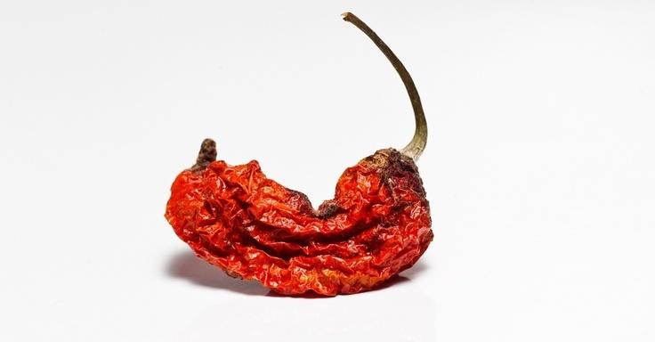 JOLOKIA: 20 - Também conhecida como pimenta fantasma, está listada no Guiness Book como a mais forte do mundo. Encontrada na Índia, deve ser consumida com moderação