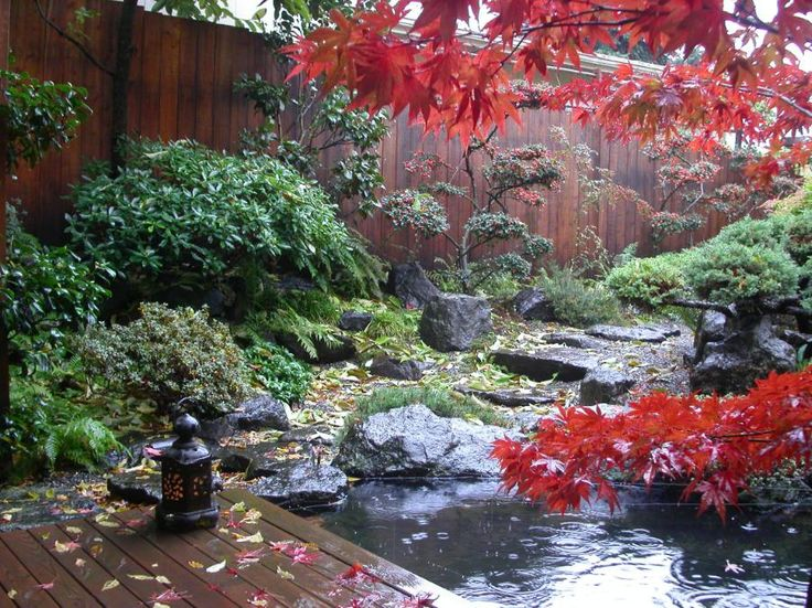 Rock, sand and gravel are an essential feature of the Japanese garden.