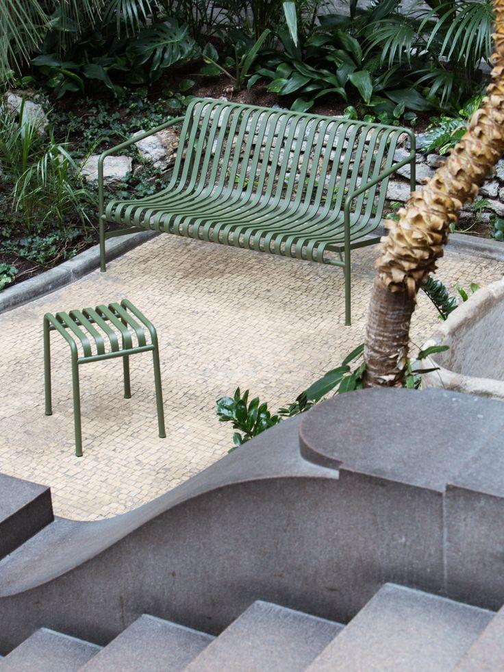 Hay outdoor collection - Palissade is een complete collectie tuinmeubilair, ontworpen door Ronan & Erwan Bouroullec.