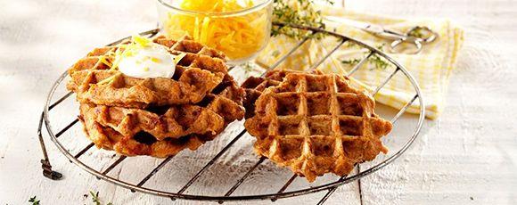 Zoek je een recept met Campina Zure room? Wafels met zoete aardappel, zure room en cheddar, bereidingstijd: Tussen 30 en 60 min..