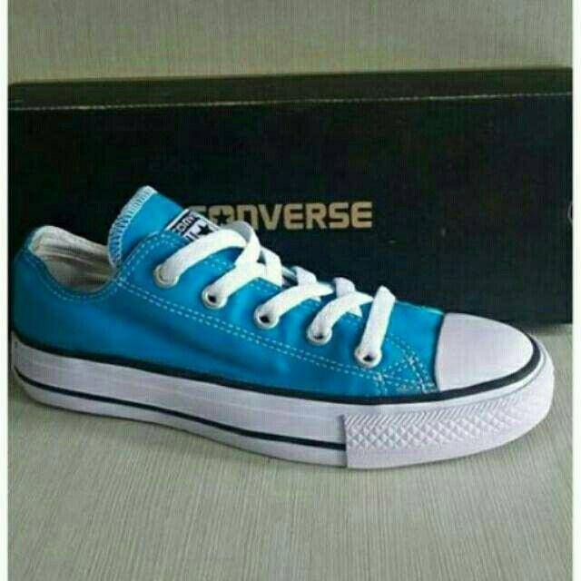 Saya menjual Converse Low Blue Light seharga Rp155.000. Dapatkan produk ini hanya di Shopee! {{product_link}} #ShopeeID