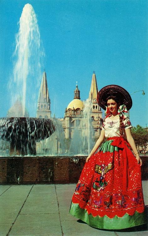 Traje tipico, China poblana. Mexico