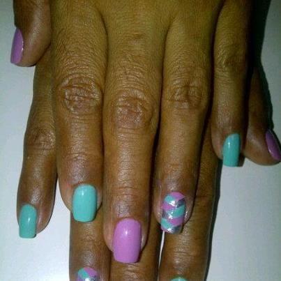 Decoradas. Manos y pies...Servicio itinerante de cuidado y decoración de uñas. Diseños modernos, decorados que responden a las nuevas tendencias, cuidado y limpieza de manos y pies, una opción estética en tu casa...