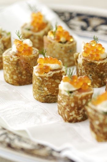 17 best images about pnw party on pinterest smoked for Smoked salmon roulade canape