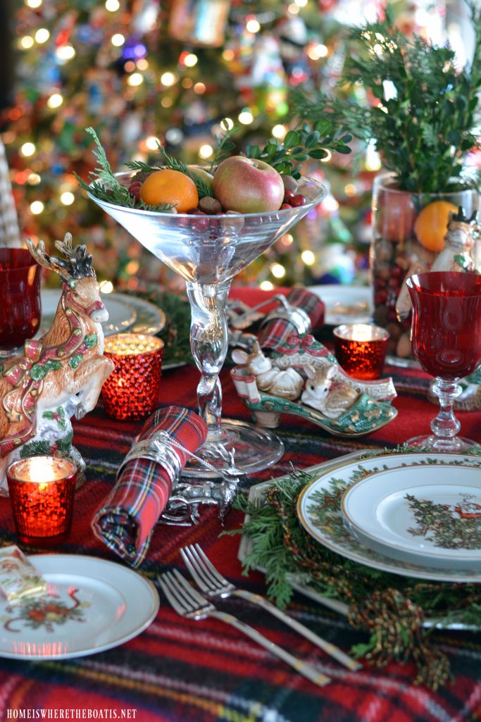 Best Friends Of BNOTP Christmas Tablescapes Images On - Christmas tartan table decoration