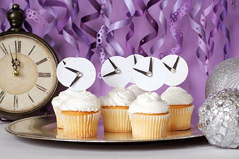 #NewYearsEve clock cupcakes - countdown to a #HappyNewYear via @ lisa storms