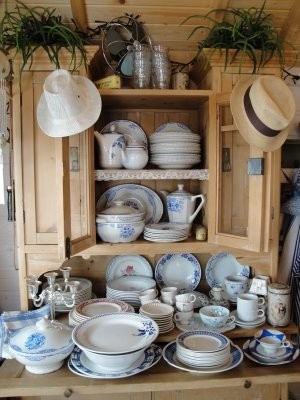 Blue & White @ Pinterest: Blue Belle, Teas Time, Cups, Blue China, Posts, White China, Kitchens Cupboards, China Crystals Silv