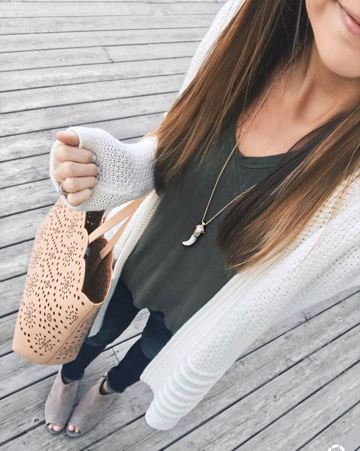 "432 Likes, 32 Comments - Taylor Brown (@taymbrown) on Instagram: ""Saturday's are the best, amiright? ☺️ My herringbone puffer vest (cult fave!) is on super sale…"""