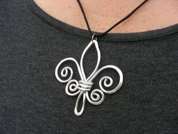 Fleur de Lis - Hammered  Wire Necklace - Choose Your Own Color